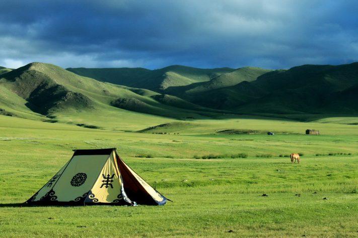 Du lịch Mông Cổ, Tây Tạng hay Tây Bắc: Tháng 6 – tháng 8