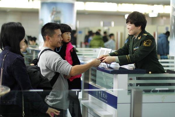 Cần nắm rõ các quy định và thủ tục xuất nhập cảnh khi du lịch Trung Quốc